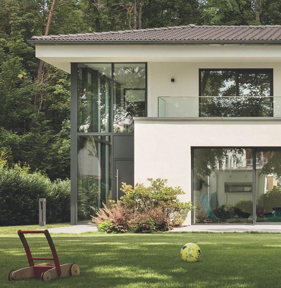Ventanas con Amplias vistas para los amantes de las grandes superficies de vidrio.